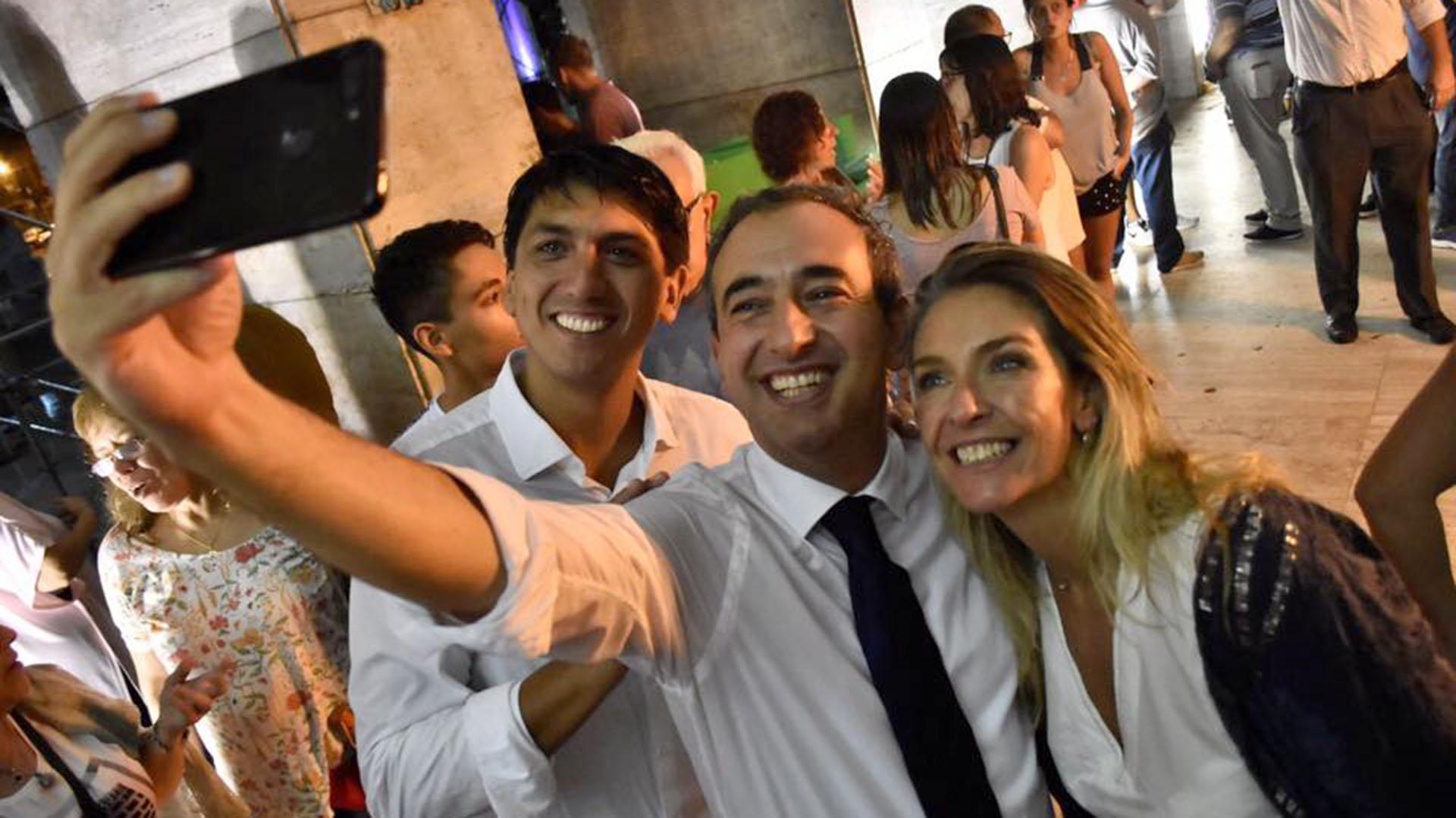Pablo Javkin con la candidata a viceintendenta María Eugenia Schmuck, también radical como él