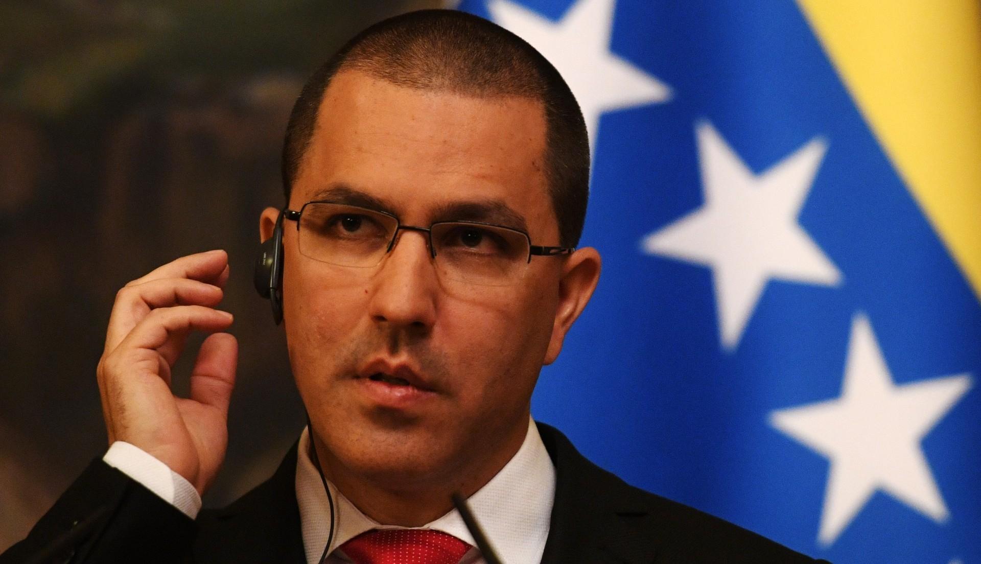 Jorge Arreazase reuniócon el canciller ruso, reafirmando el respaldo del Kremlin (AFP)
