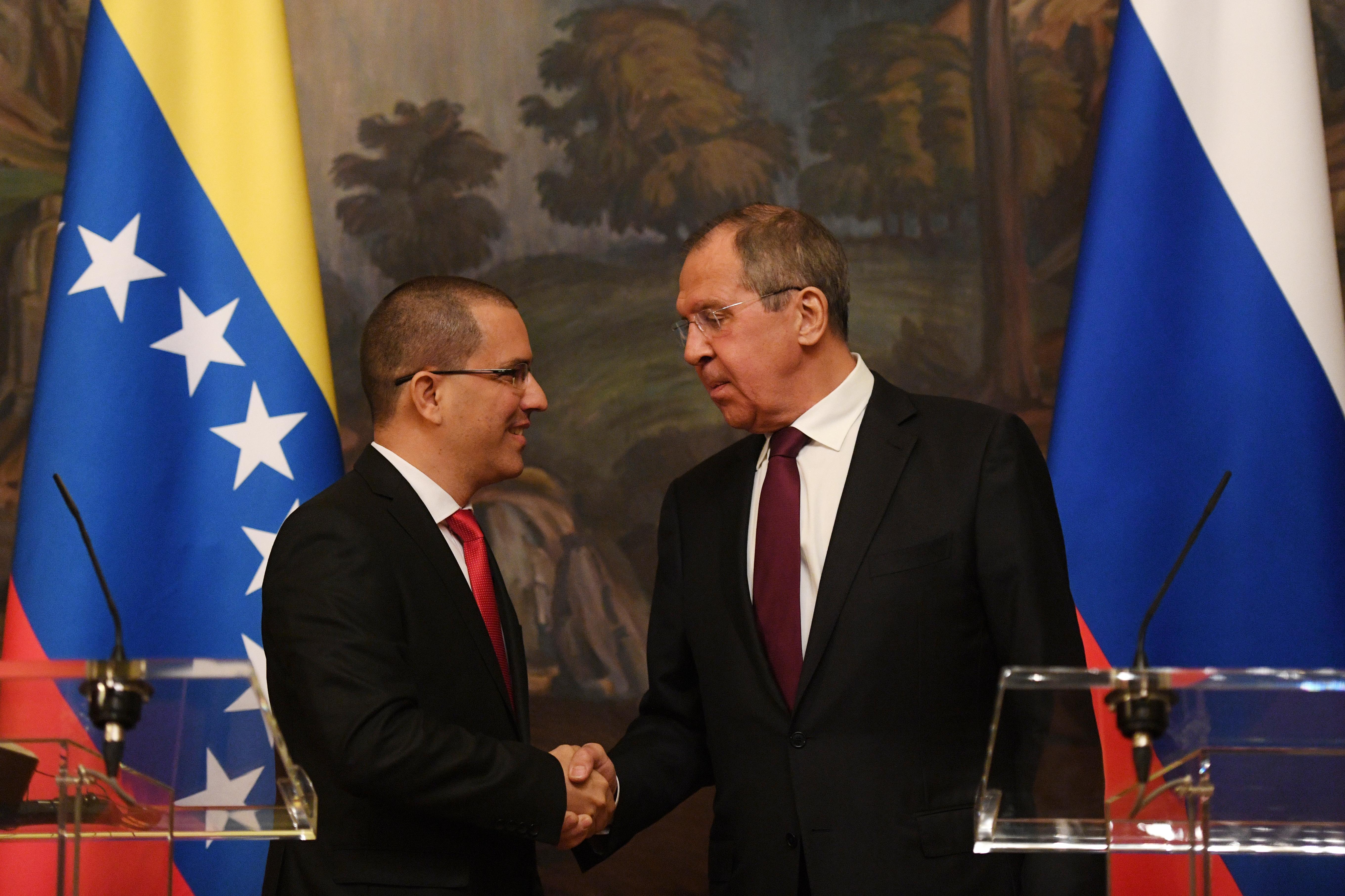 El funcionario chavista no descartó ampliar la presencia de militares rusos en territorio venezolano (AFP)