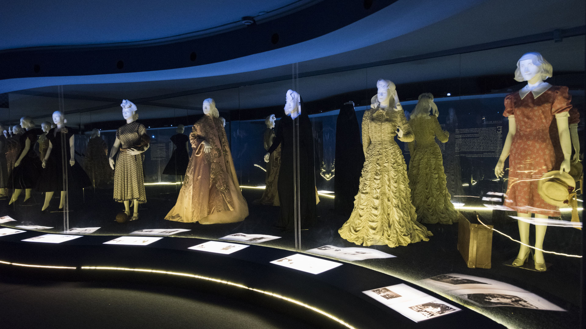Juana Ibarguren, la madre de Eva, era una apasionada de la costura que se ocupó de transmitir la pasión de generación en generación