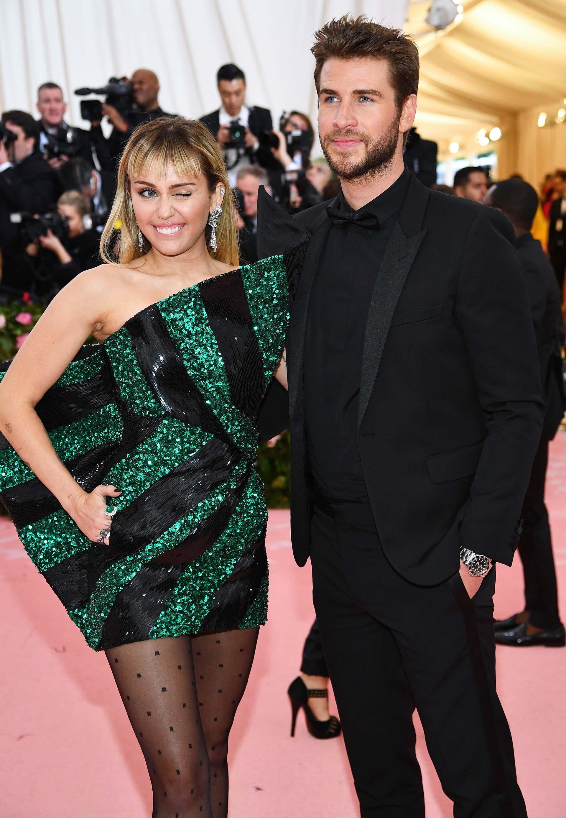 Inseparables, Miley Cyrusy Liam Hemsworth desfilaron en la alfombra roja