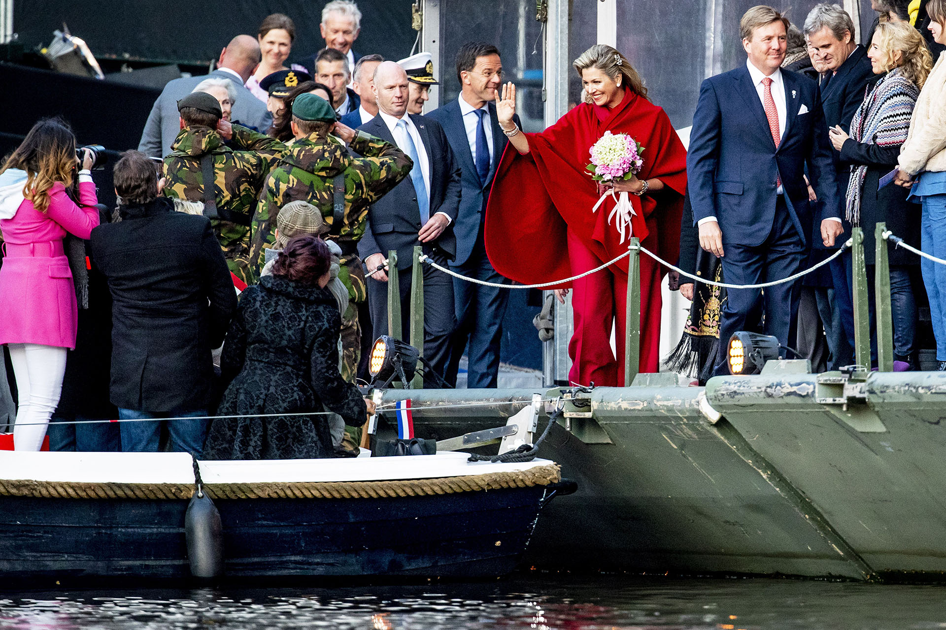 Al día siguiente, los reyes participaron del Bevrijdingsconcert, el concierto de la Liberación que puso un broche de oro musical al sentido homenaje