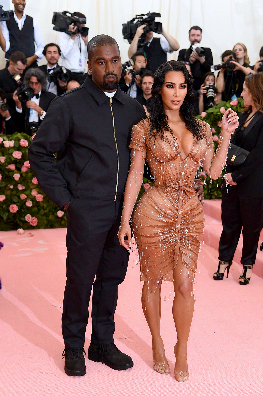 Kanye West y Kim Kardashian, by Mugler.
