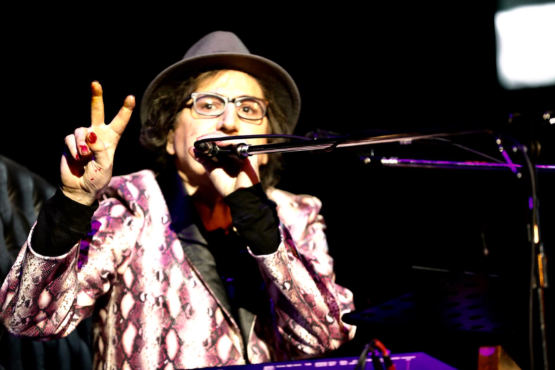 """Charly García cantó """"La máquina de ser feliz"""", uno de sus hits"""