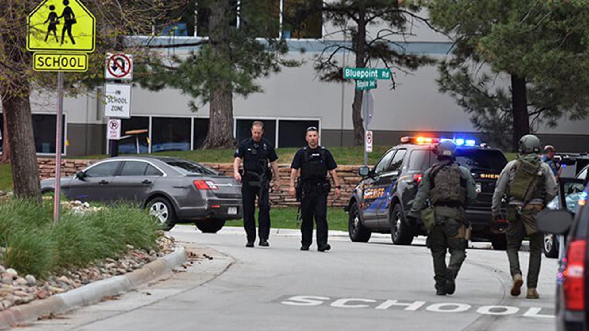 Uno de los detenidos fue identificado como Devon Erickson, de 18 años
