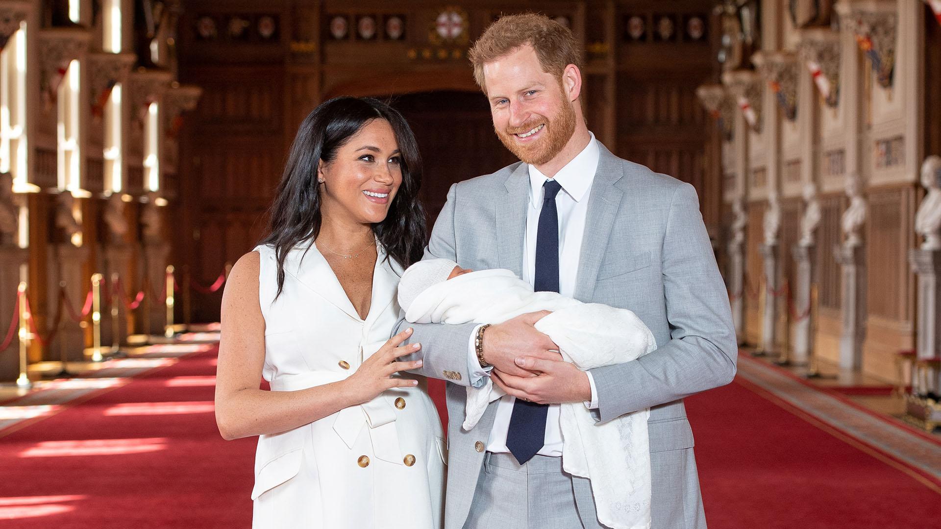 La presentación oficial de Archie Harrison Mountbatten-Windsor, el primer heredero de la pareja. Nació el 6 de mayo de 2019, a casi un año del aniversario de boda de Meghan Markle y Harry
