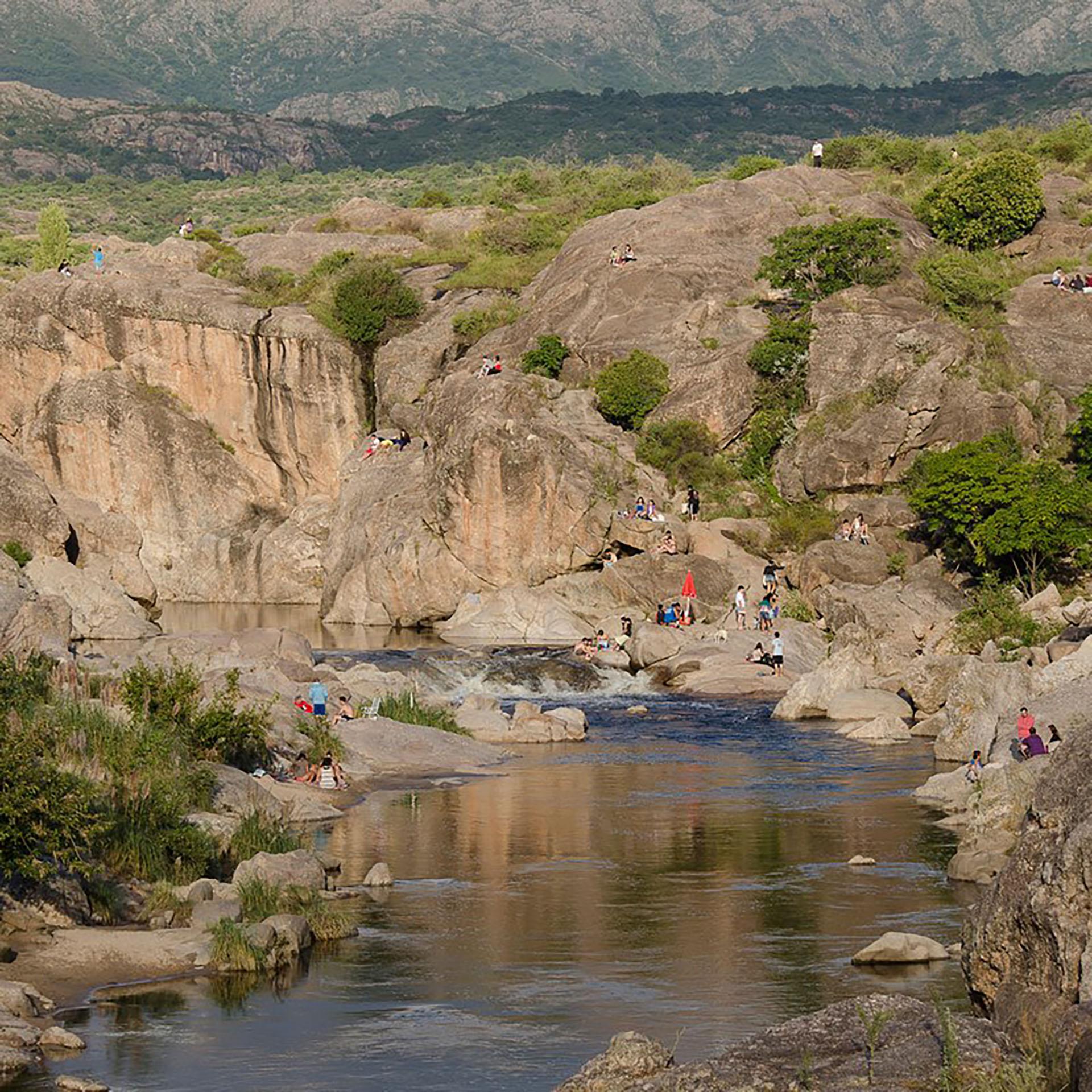 Es una de las áreas más bellas de la provincia de Córdoba que en parque recuerda a la escenografía andina (Fotos Facebook: 7 MAR)