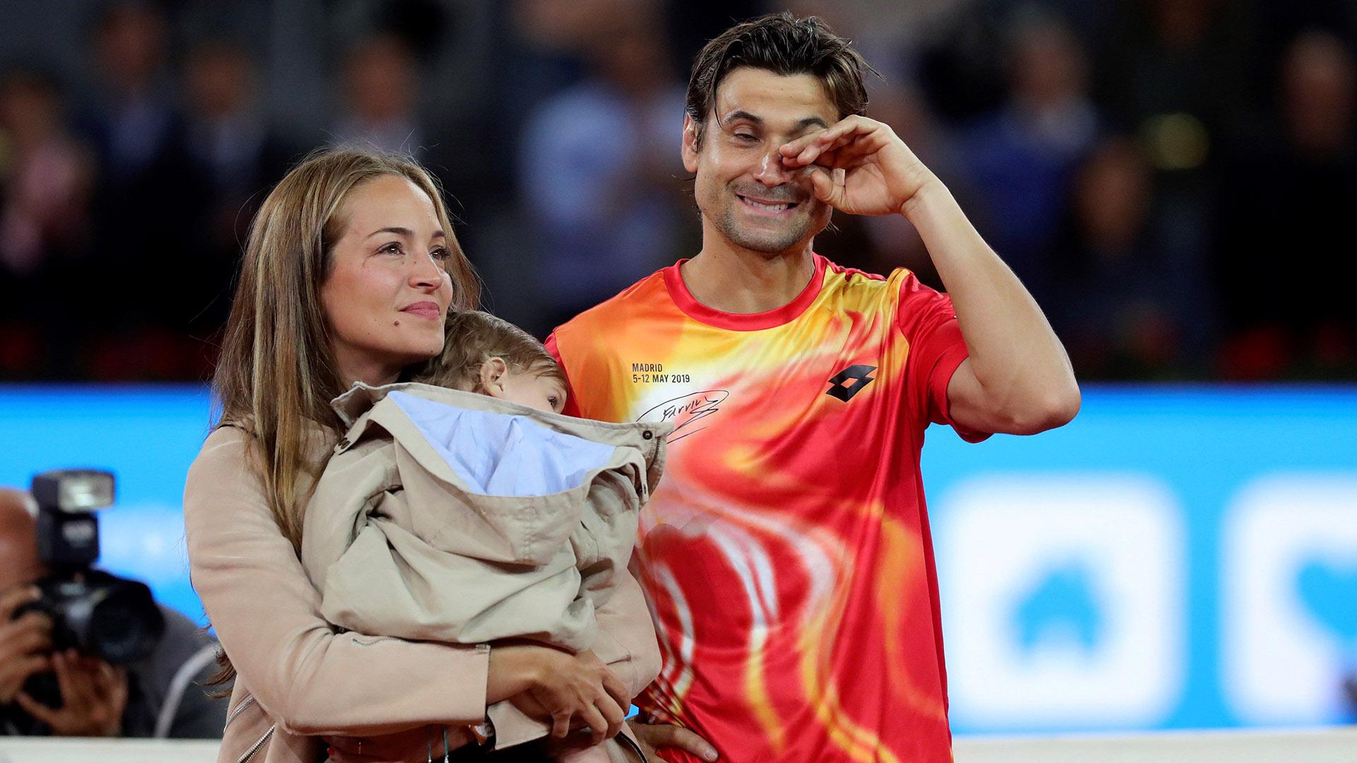 Ferrer junto a su pareja, Marta Tornel, y su hijo, Leo (EFE)