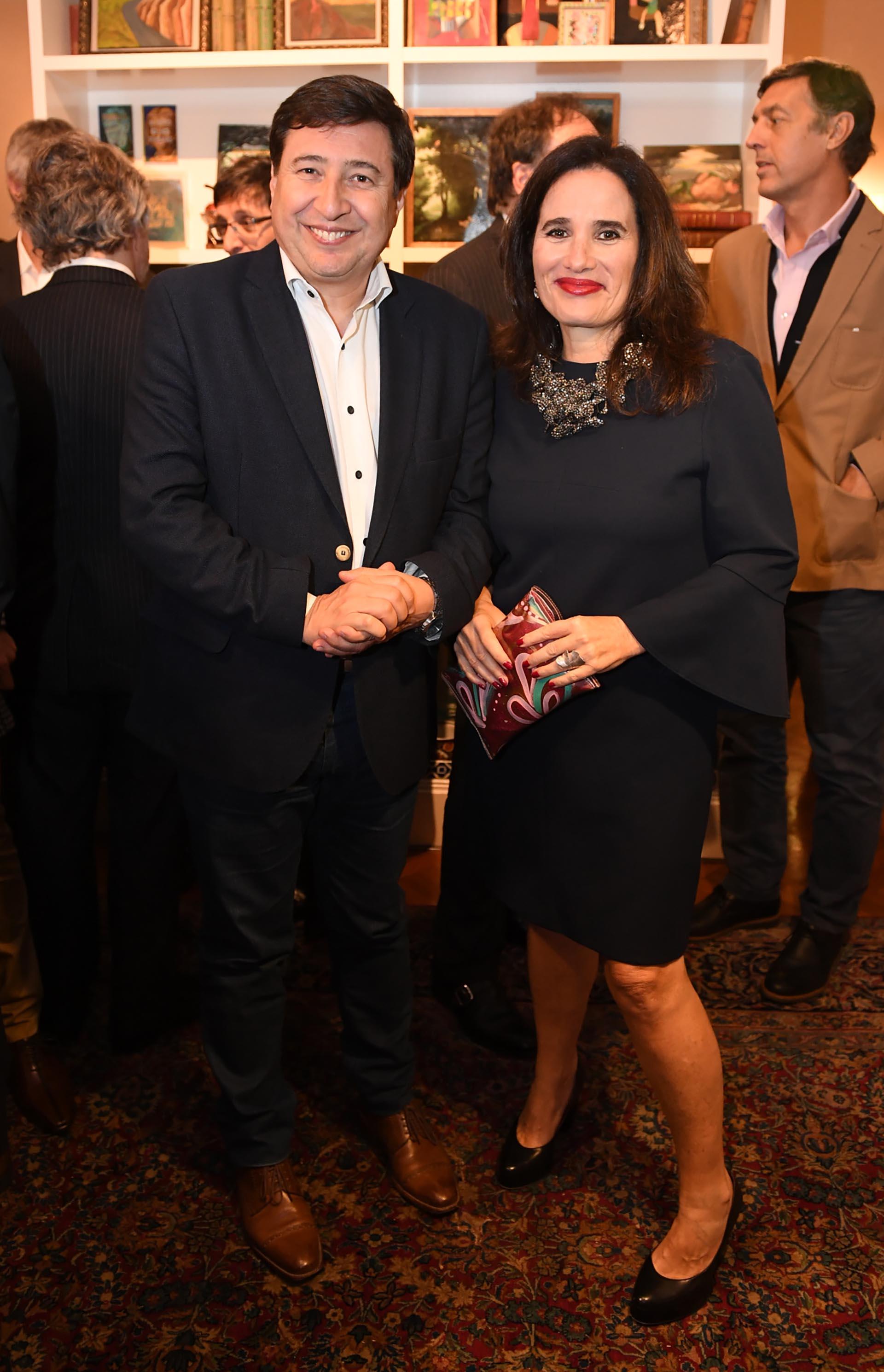 El diputado Daniel Arroyo y Carolina Biquard, ex directora del Fondo Nacional de las Artes