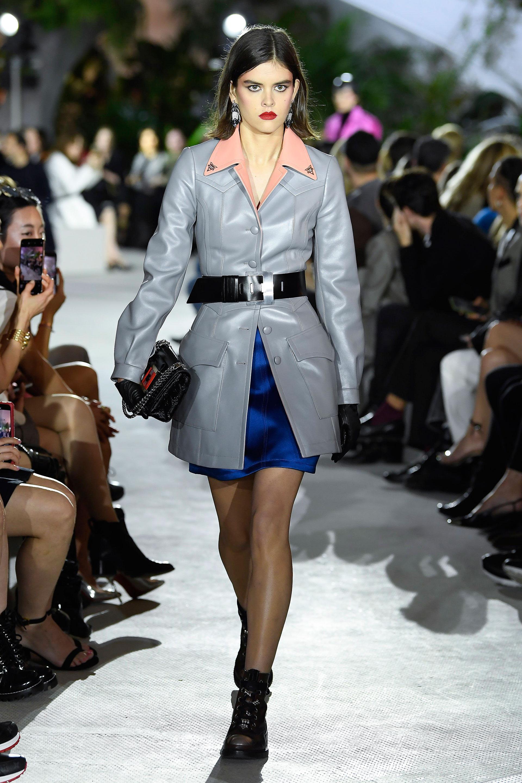 El metalizado fue uno de los must de la marca Louis Vuitton