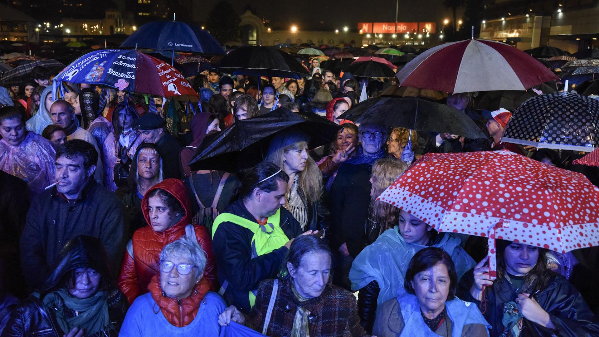Seguidores de Cristina Kirchner vieron la presentación a través de pantallas gigantes