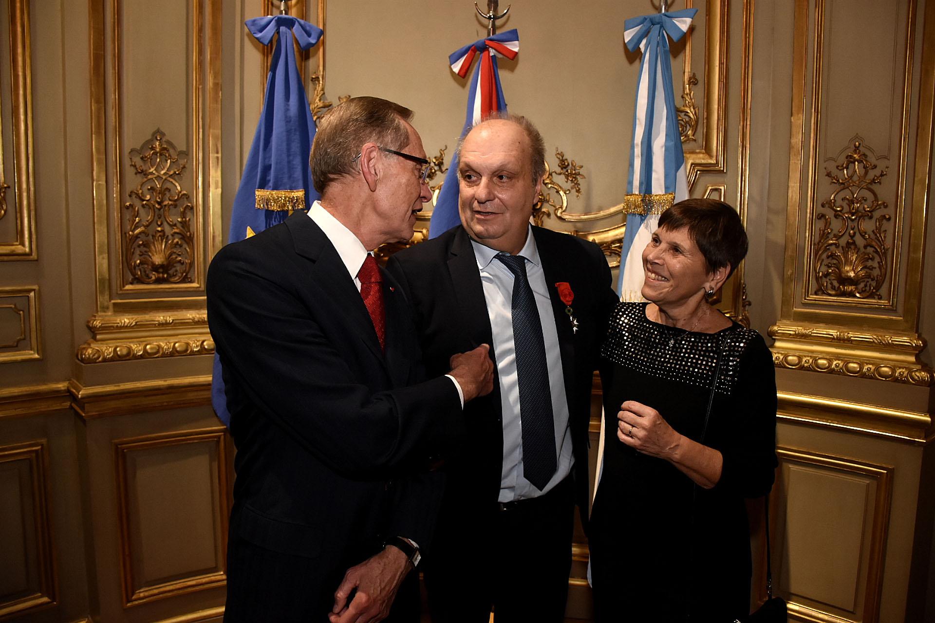 Lombardiingresó a la Orden de la Legión de Honor, con el grado de Caballero, en el año 2012 cuando se desempeñaba como ministro de Cultura porteño