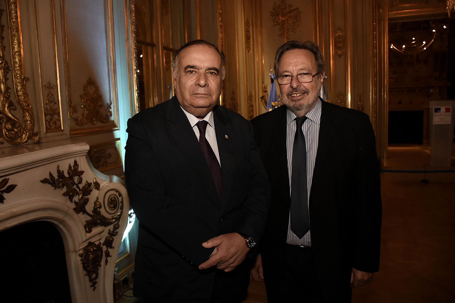 El embajador de Uruguay en la Argentina, Héctor Lescano, y el presidente de la Fundación Metropolitana, Pedro Del Piero