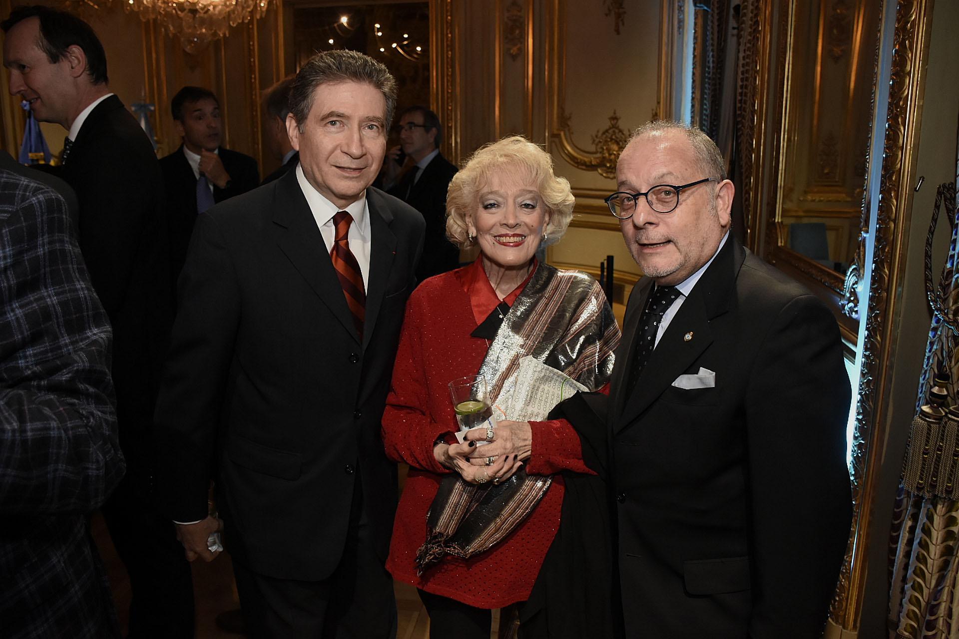 El embajador francés y su mujer junto a Jorge Faurie