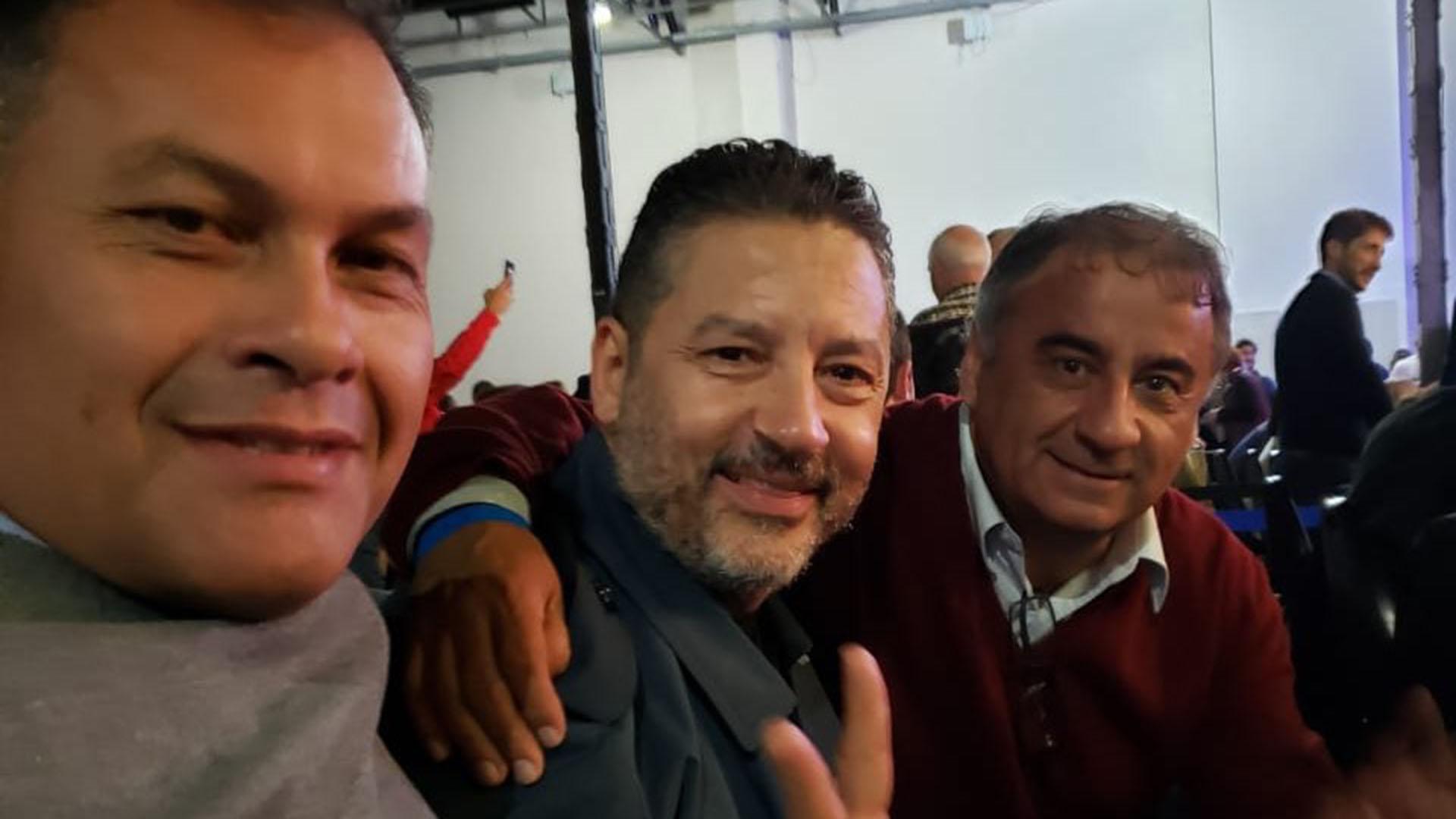 El intendente de Moreno, Walter Festa; el intendente de Merlo, Gustavo Menéndez y el concejal Edgardo Depetri (@EdgardoDepetri)