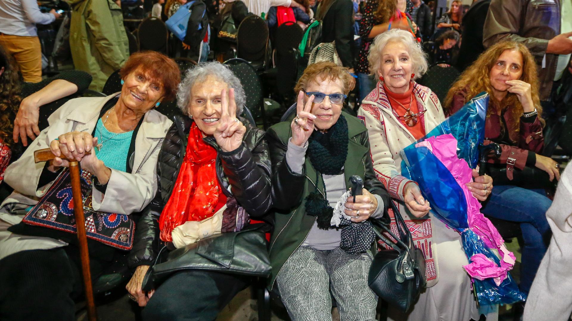 Las Madres y Abuelas de Plaza de Mayo estuvieron en las primeras filas