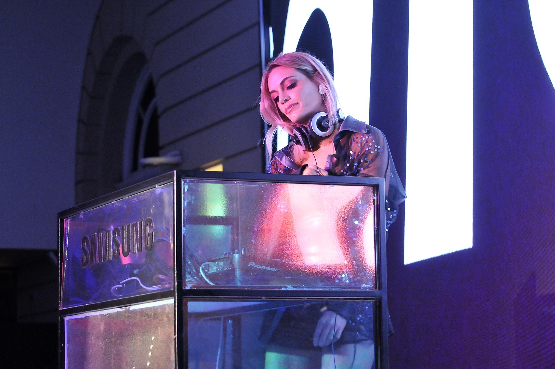 ¡Hey, DJ! Emilia Attias hizo bailar a los invitados