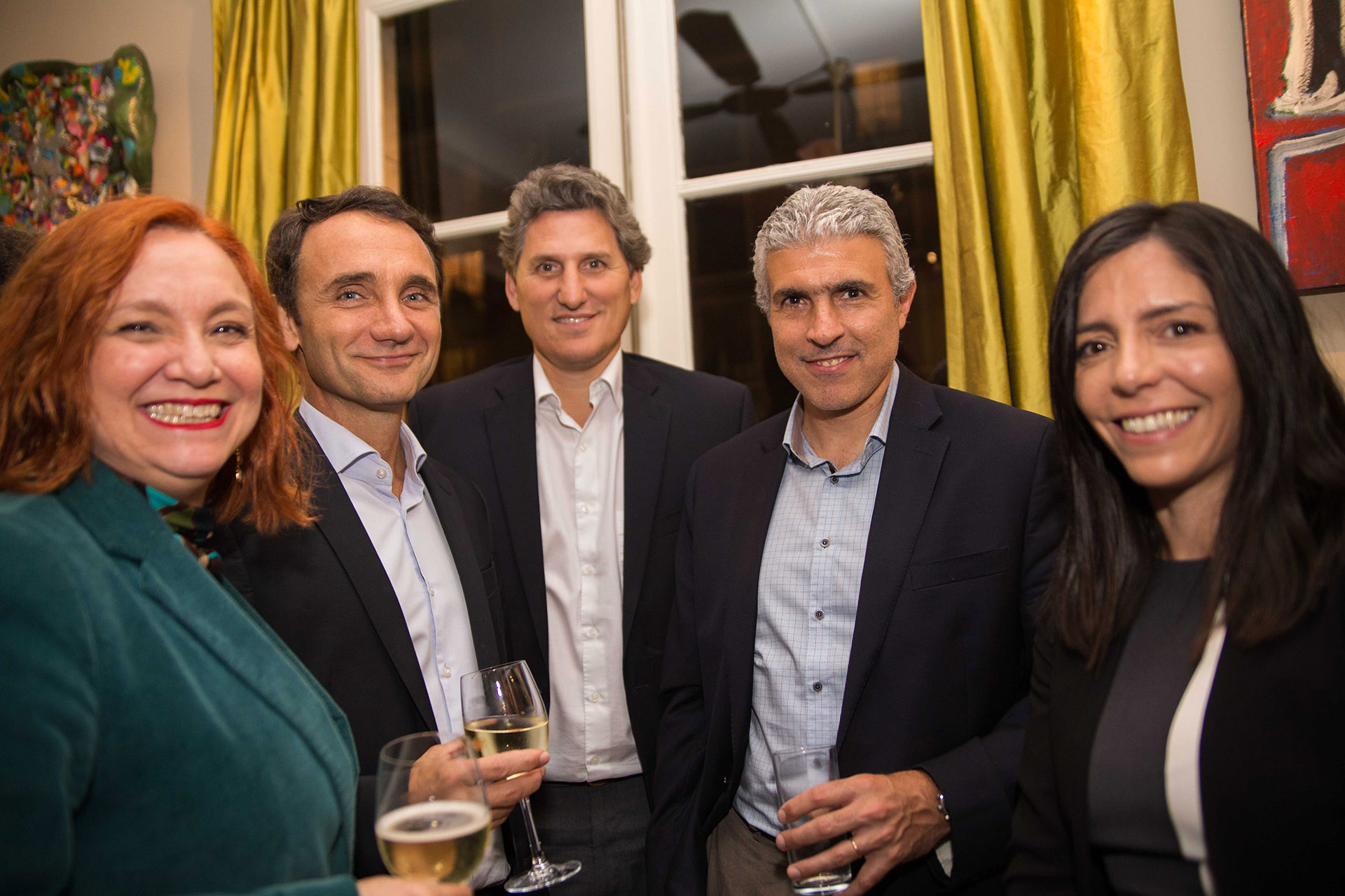 Marina Guimarães junto a Pedro Serrano de Marval O´Farrell & Mairal; Oliver Lucas, general Counsel de Siemens; Javier Pastorino, CEO de Siemens y presidente de la AHK, y Dalma Parisi, Lead Compliance Officer de Siemens