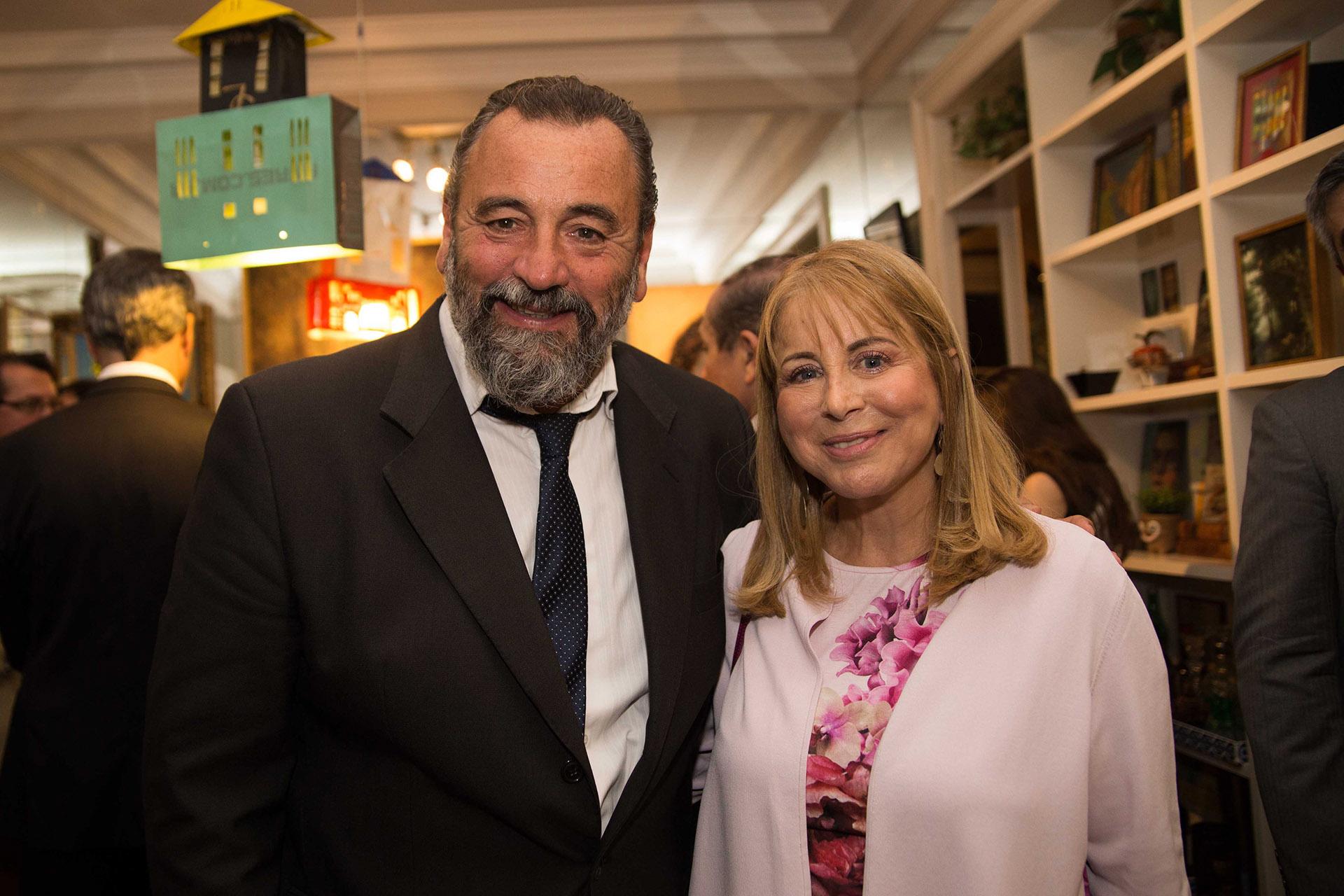 El fiscal José Campagnoli junto a Diana Cohen Agrest, presidente de Usina de Justicia