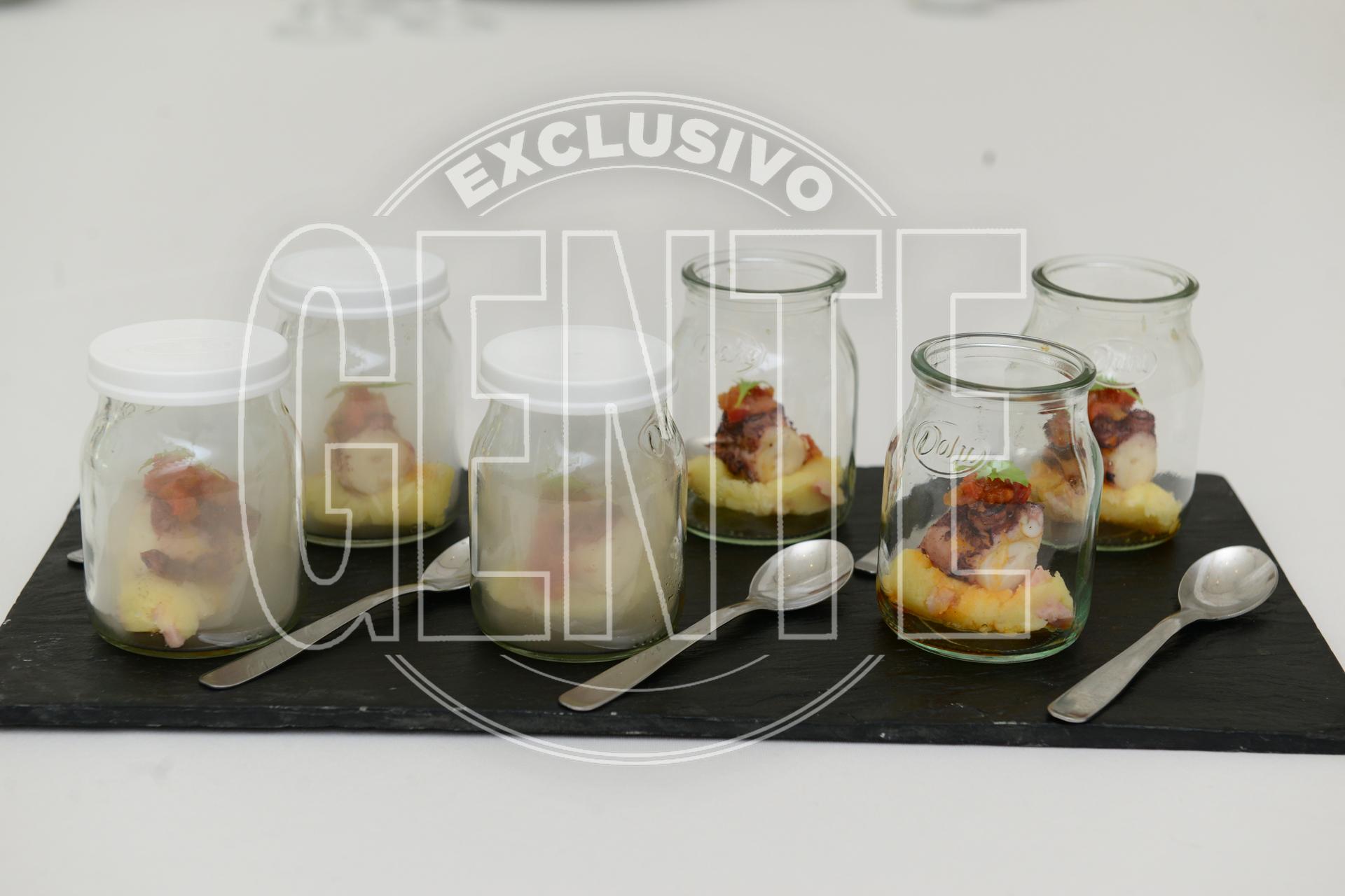 Puré ibérico con panceta y aceite de oliva, pulpo a la brasa y sofrito picante.
