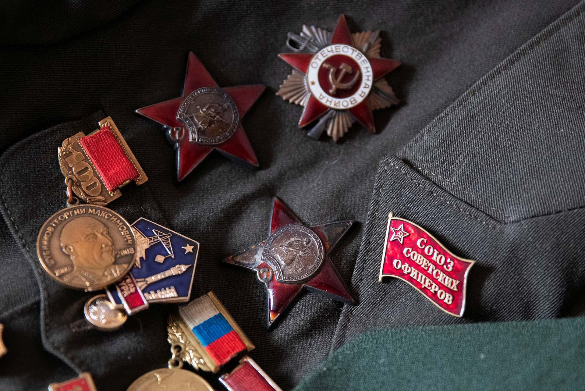 Un detalle de las medallas de Nikolay Bagayev (REUTERS/Maxim Shemetov)