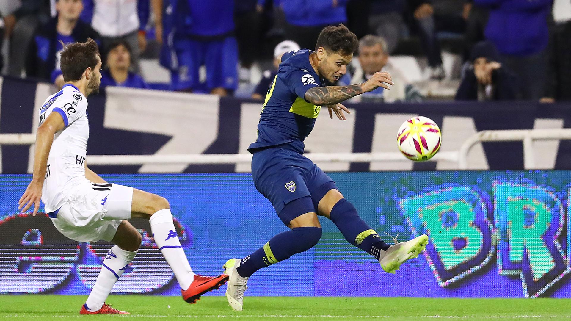 Mauro Zárate volvió a jugar en la cancha de Vélez después de su decisión de dejar el club (Fotobaires)