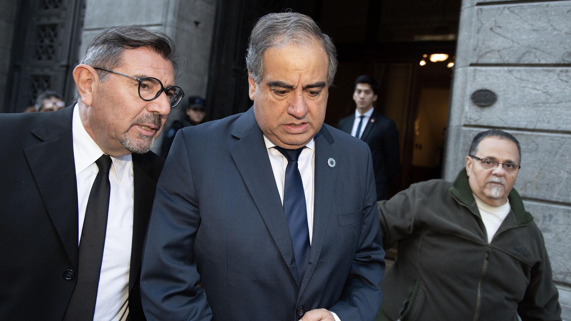 El senador Julio Martínez