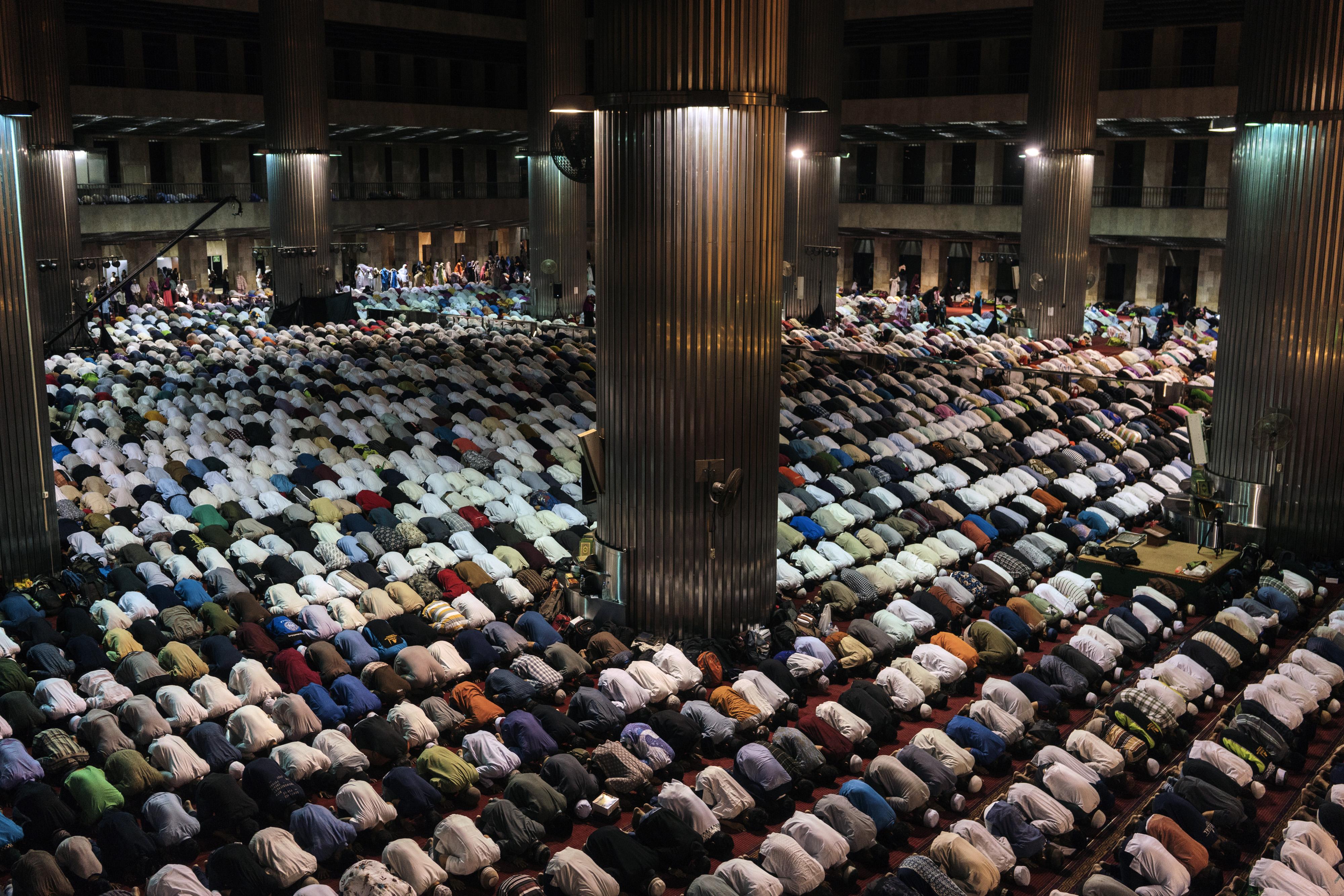 Indonesia es el país de mayoría musulmana más poblado en el planeta, pero los musulmanes sordos cuentan con pocos recursos para aprender el Corán. (Adam Dean/The New York Times)