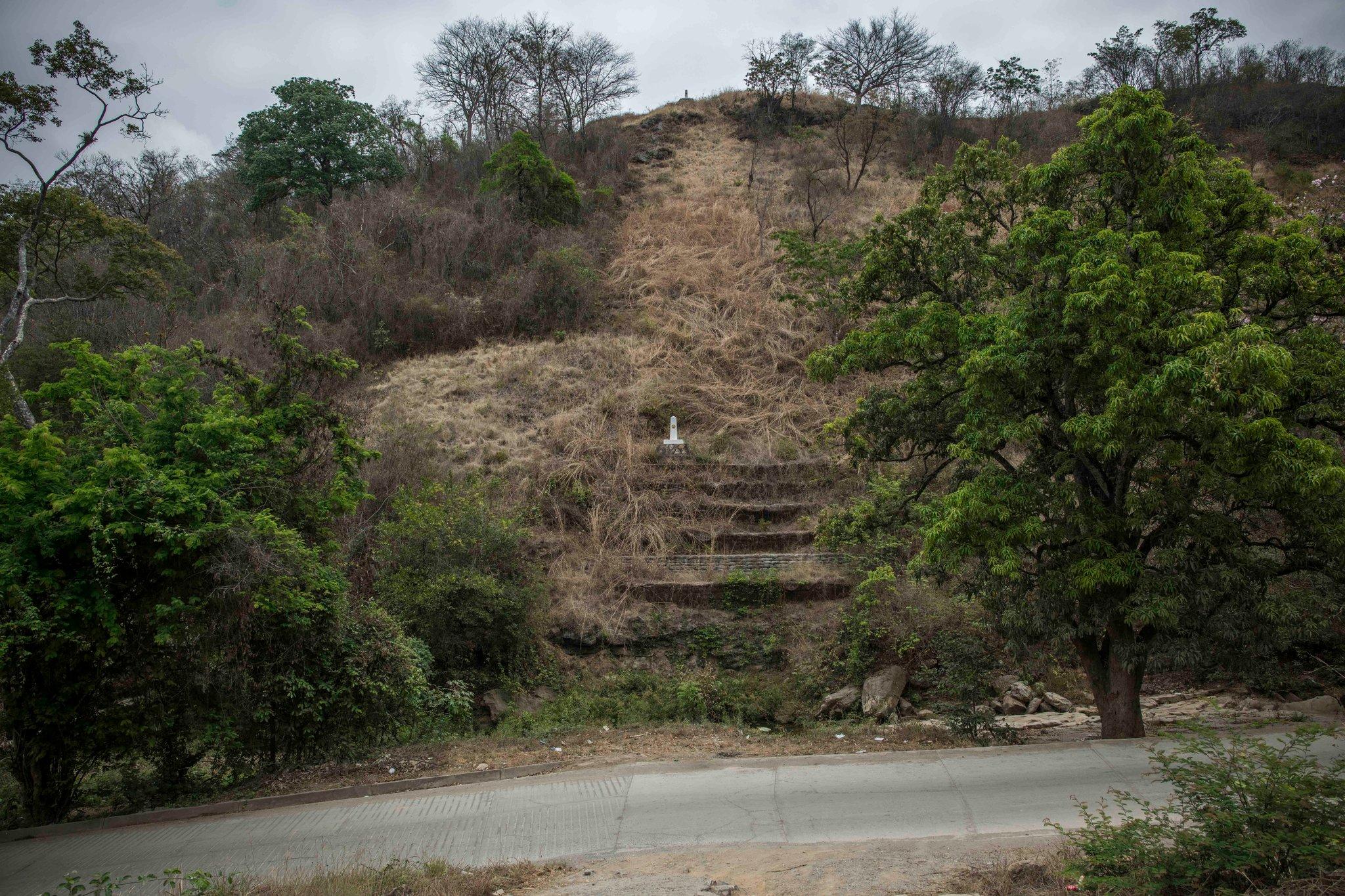 La frontera entre Guatemala y México, cerca de la vivienda de Pablo (Daniele Volpe para The New York Times)