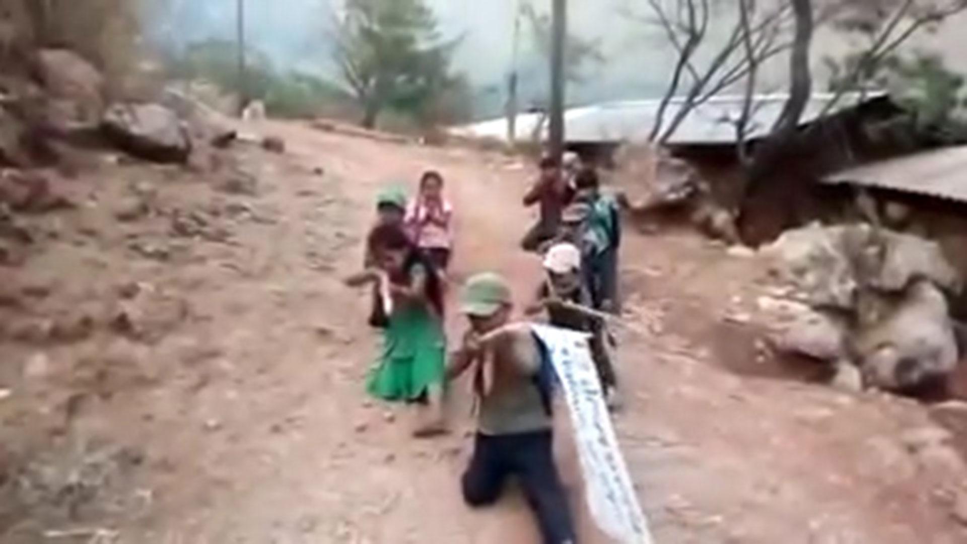 Los niños del poblado Rincón de Chautla prometieron darle lucha a los sicarios (Foto: Especial)