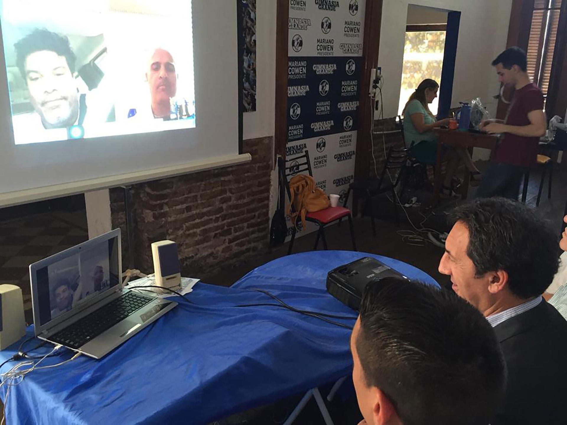 """La conferencia vía Skype que trianguló La Plata (Cowen, entonces candidato a presidente del """"Lobo""""), Porto Alegre (de Assis Moreira, el hermano de Ronaldinho) y Amsterdam (el empresario Jordan)"""
