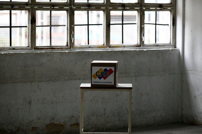 Una urna en Caracas durante las elecciones presidenciales de Venezuela el 20 de mayo de 2018 (Marco Bello/Reuters)