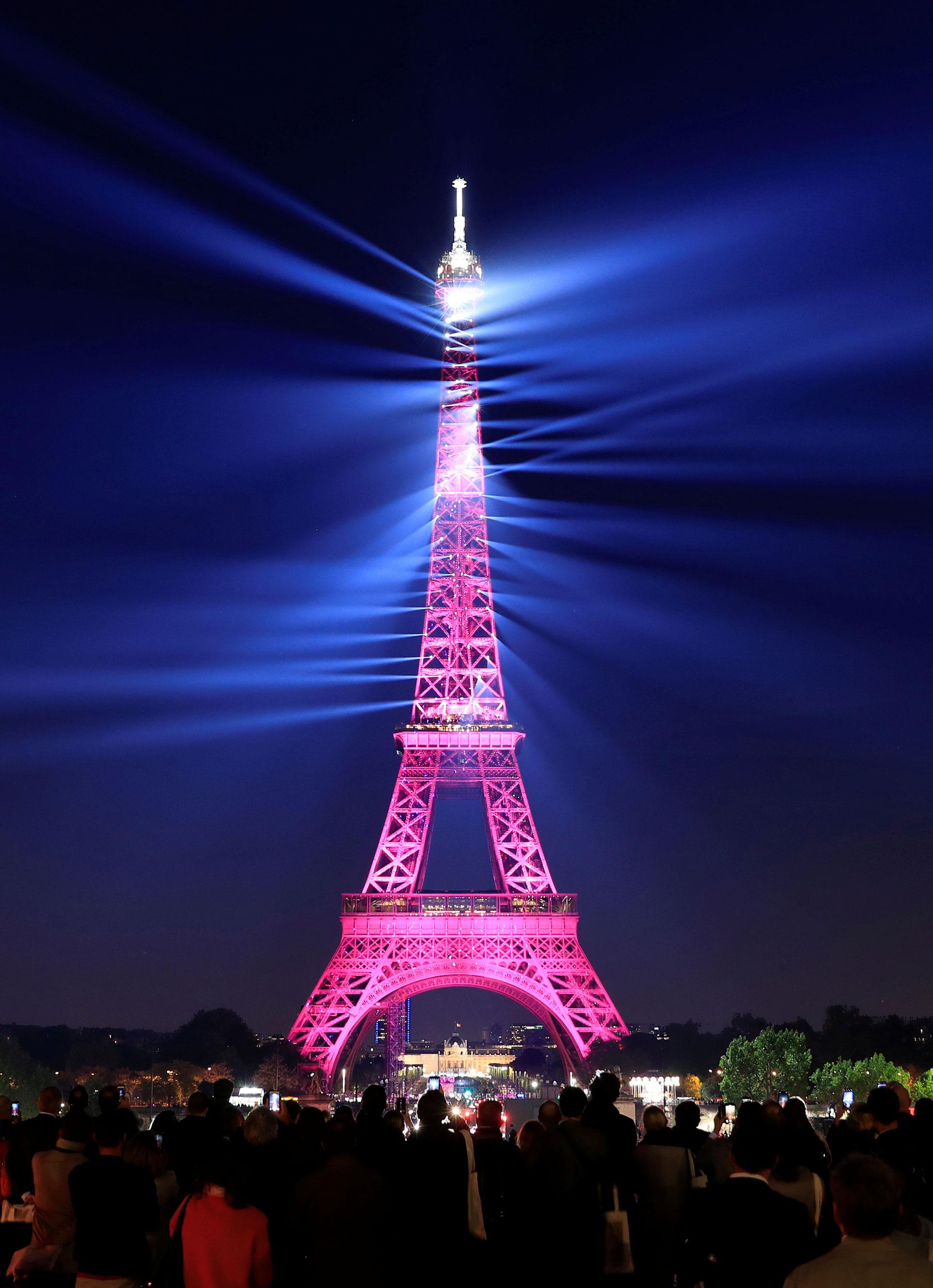 La construcción de la torre comenzó en enero de 1887, con el objetivo de ser el ícono de la Exposición Universal de París de 1889.