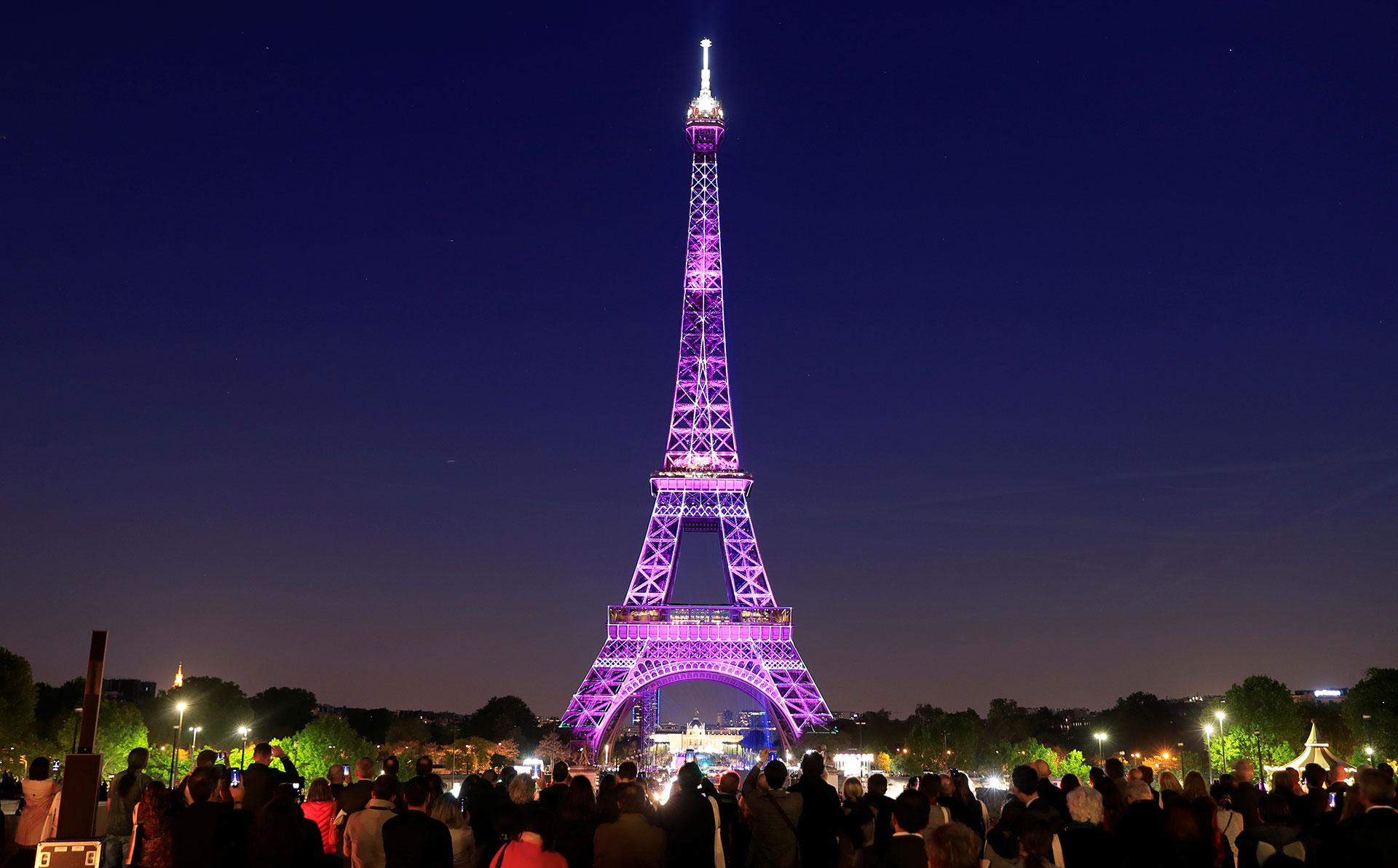 El recuerdo del trágico incendio en Notre Dame pesó mucho en la memoria de la gente durante el 130º aniversario de la Torre Eiffel.