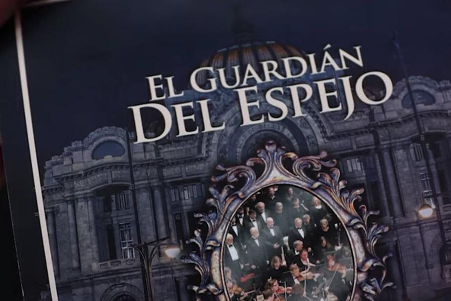 El programa que se entregó con el nombre de la ópera teatral (Foto: Especial)