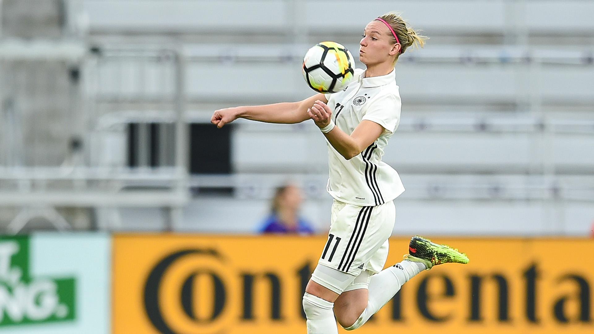 Alexandra Popp, la delantera y goleadora de la selección alemana, fue una de las protagonistas del video (Shutterstock)