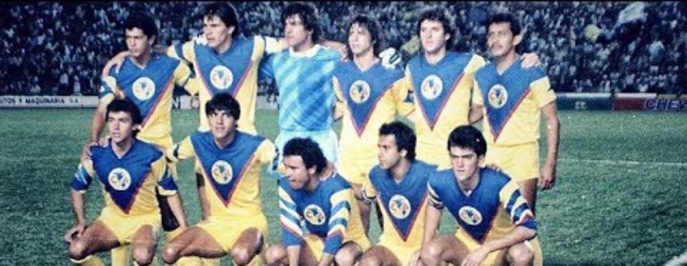 El equipo campeón posa para los fotógrafos en la previa de la tercera final (Foto: Archivo)