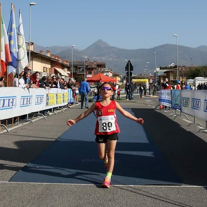 Sara Meloni rompió su propia marca y corrió recientemente 10K en 44m44s (Facebook: Piernicola Meloni)