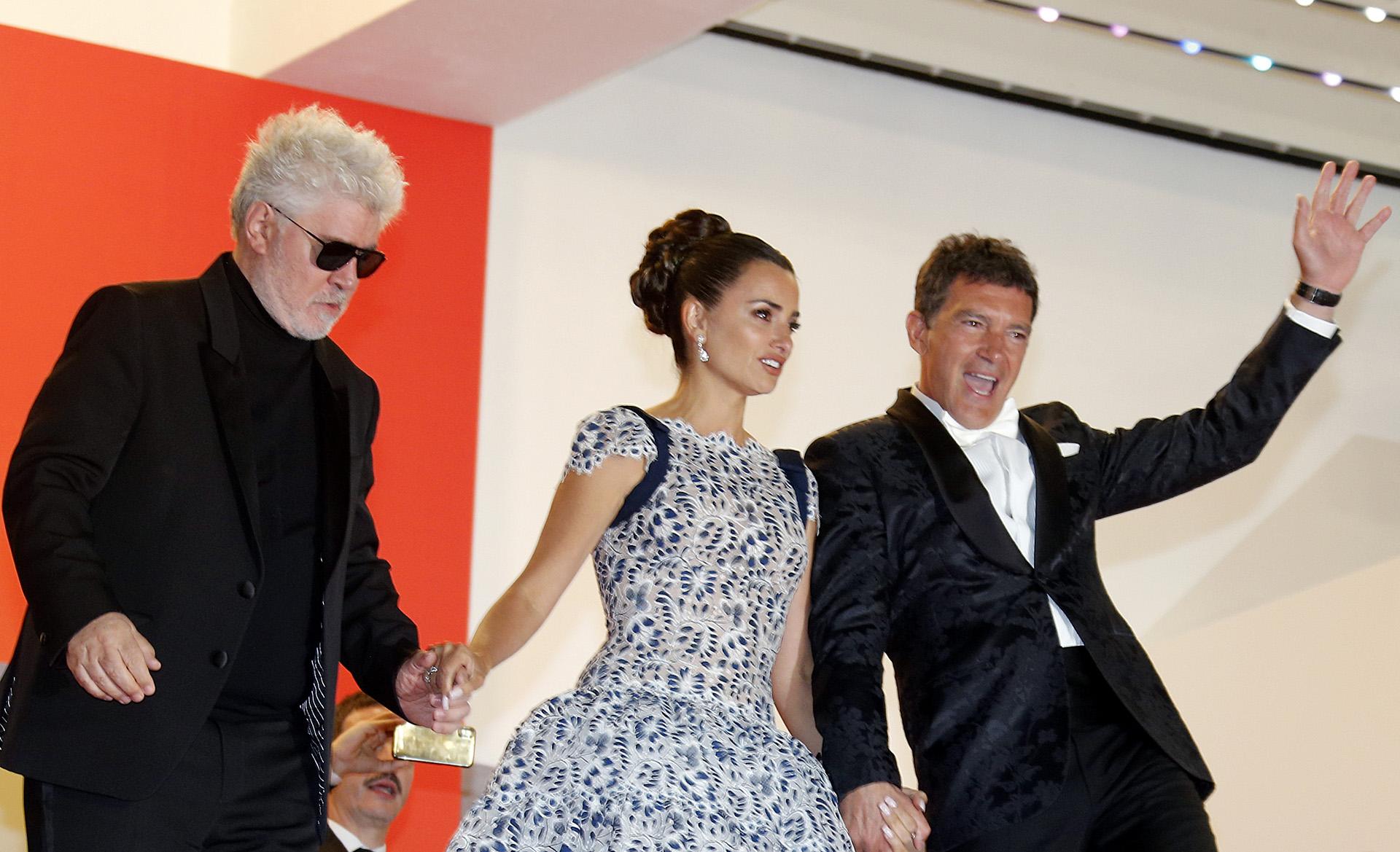 """Penélope Cruz y Antonio Banderas en la presentación de """"Dolor y Gloria"""", la última película de Pedro Almodóvar, que se proyectó en el Festival de Cine de Cannes"""