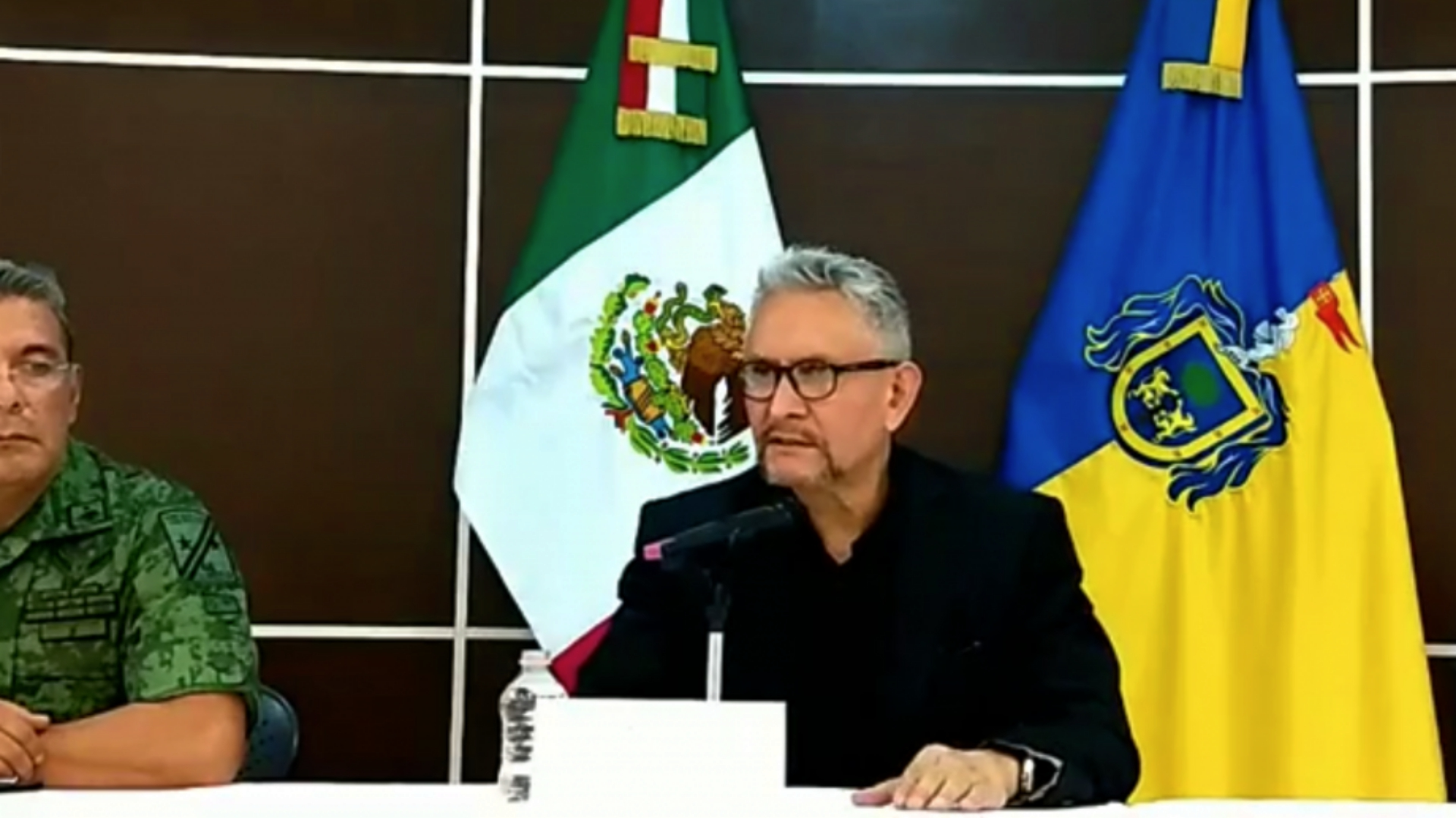 El fiscal de Jalisco dio detalles de este hallazgo en una conferencia de prensa junto con militares (Foto: Facebook)