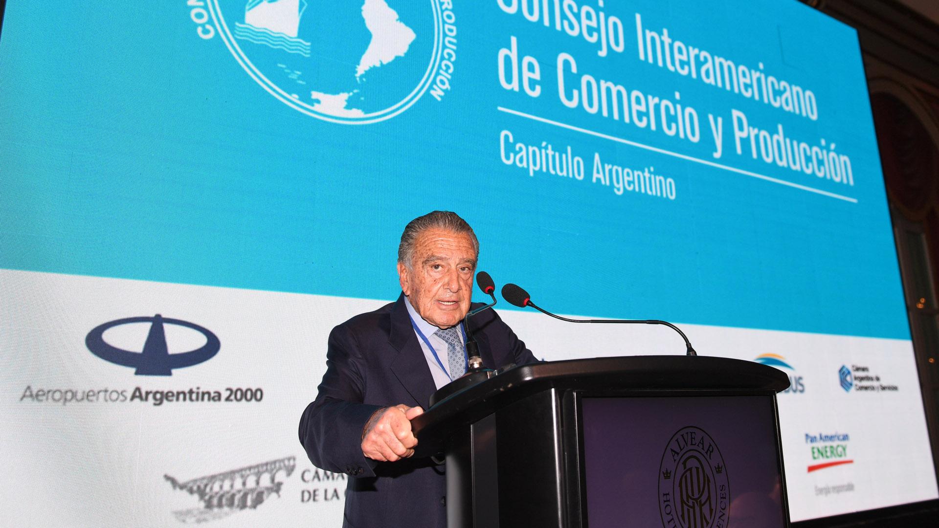 El empresario Eduardo Eurnekian disertó ante empresarios en el Consejo Interamericano de Comercio y Producción