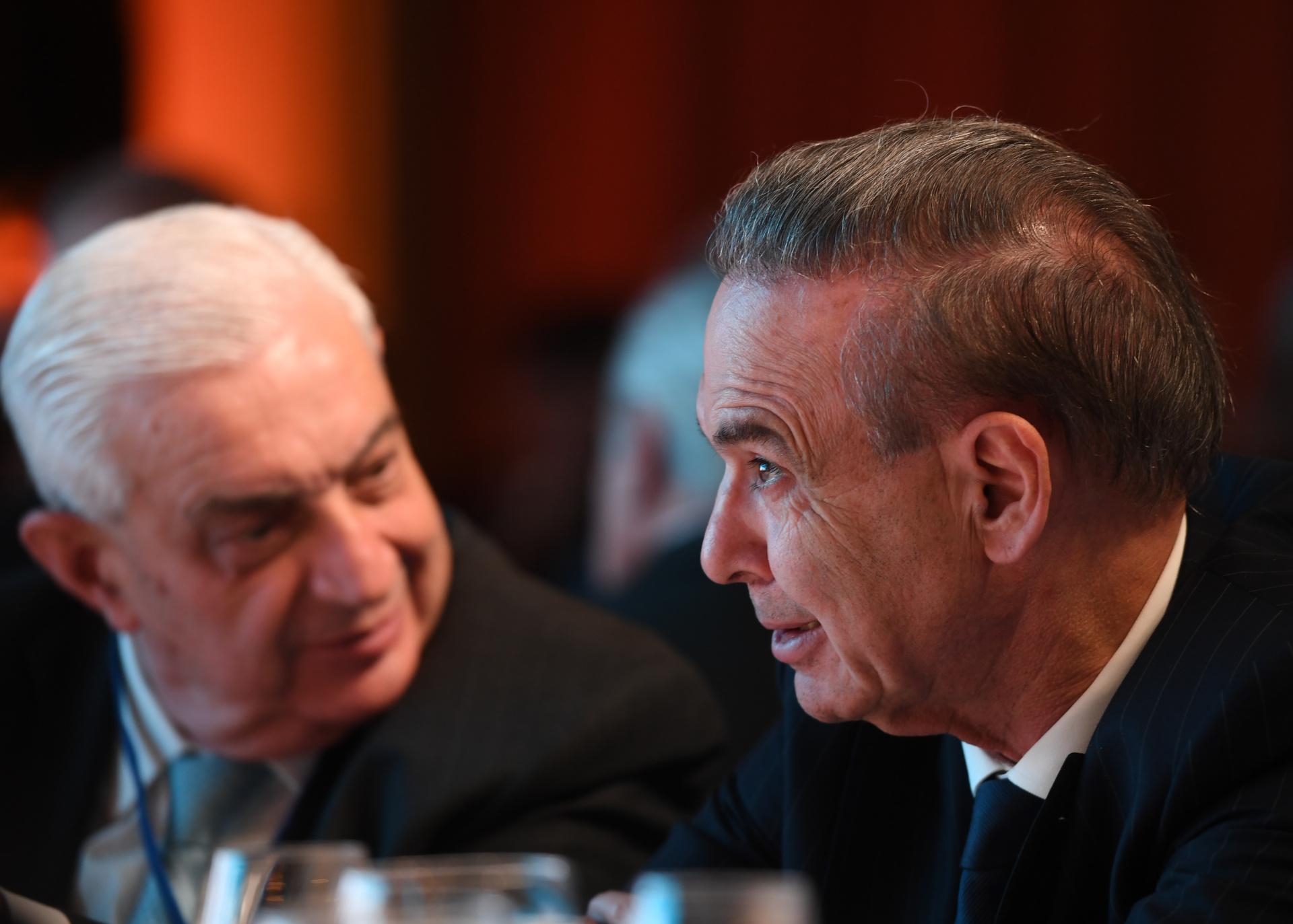 Adelmo Gabbi, titular de la Bolsa de Comercio, y el senador Pichetto