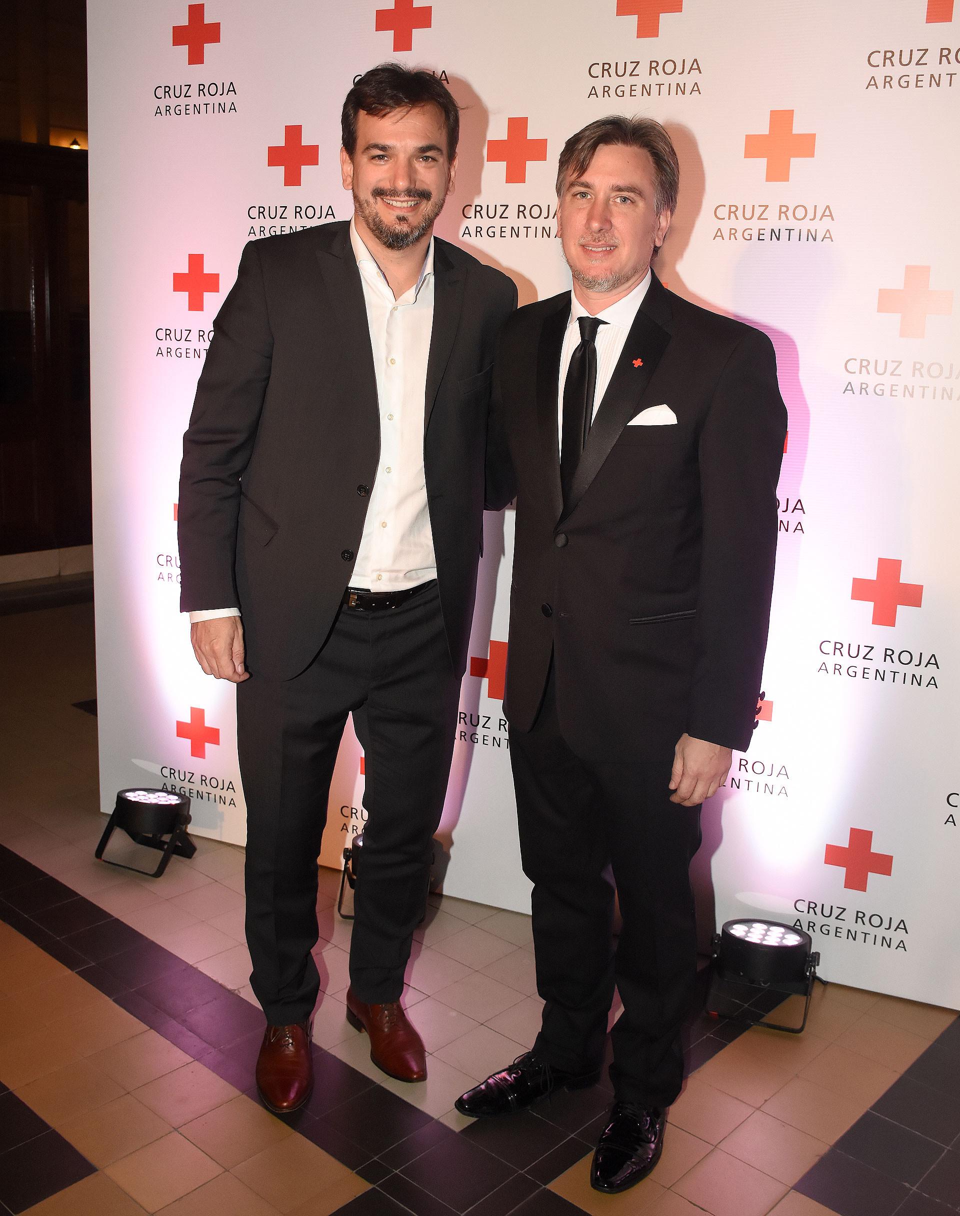 El director del Banco Provincia, Sebastián Galmarini, y Diego Tipping