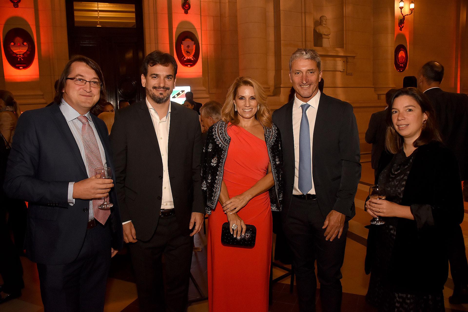 Bennie Mander, Sebastián Galmarini, Érica Blau, José Scioli y Valentina Mander