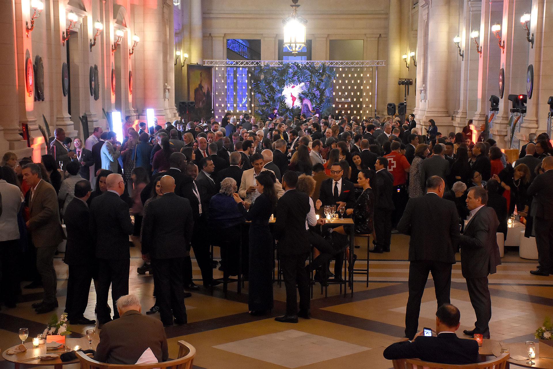 Los invitados disfrutaron de un cóctel antes del concierto