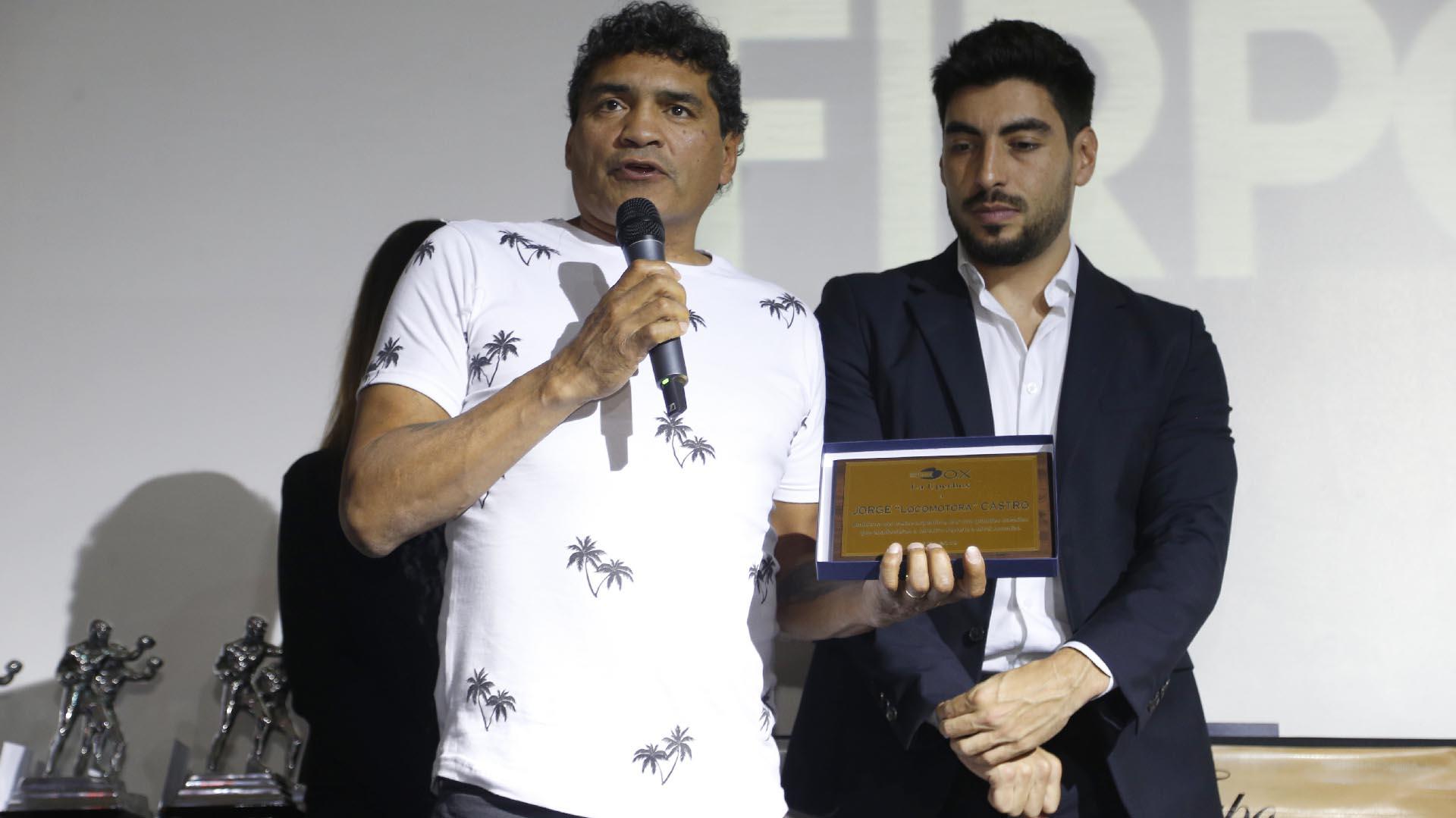 """Jorge """"Locomotora"""" Castro fue reconocido por la """"Epopeya de Monterrey"""""""