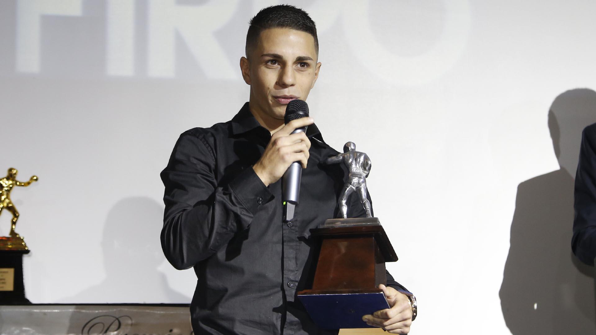 Una de las grandes promesas del boxeo argentino: el campeón minimosca juvenil FIB Agustín Gauto