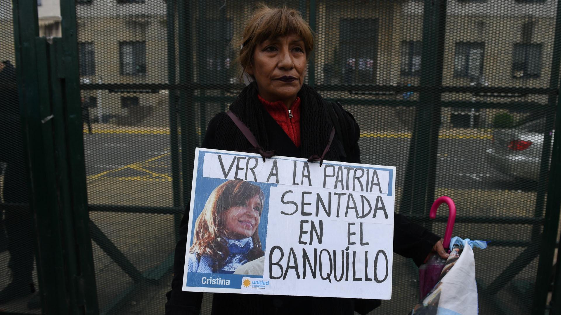 Carteles de respaldo a CFK
