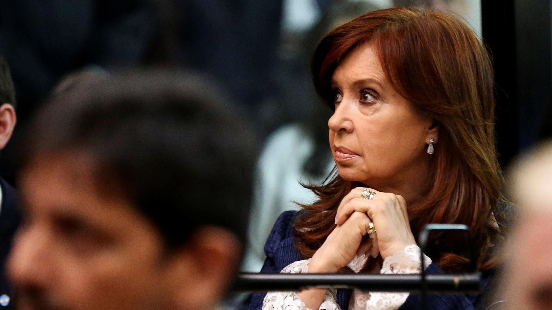 Cristina Kirchner enfrenta su primer juicio oral por hechos de corrupción