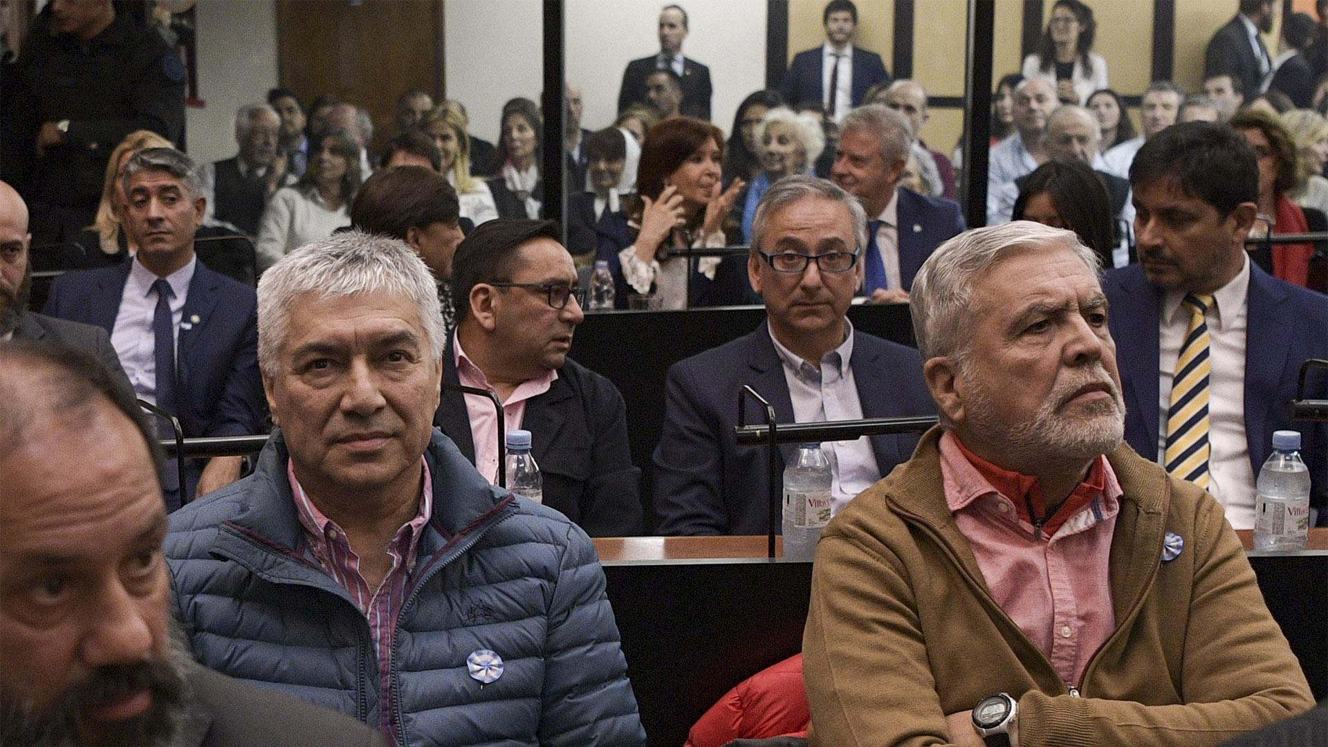 Cristina Kirchner y Julio De Vido están acusados de direccionar la obra pública para favorecer al empresario Lázaro Báez
